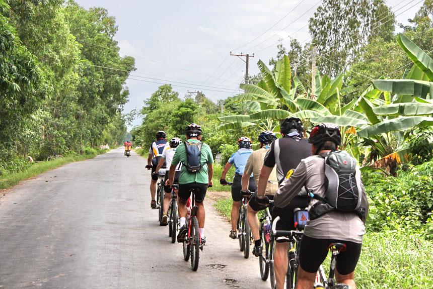 CYCLING  SOUTH  VIETNAM