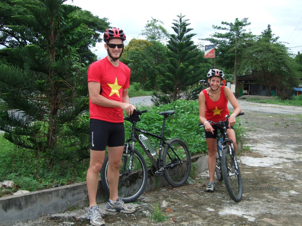BIKING  15 DAYS 14 NIGHTS :  HANOI - LUANG PRABANG