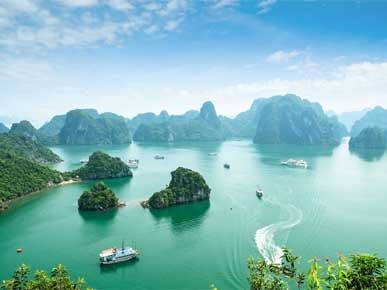 HALONG BAY - THE BEST WAY TO VISIT IN VIETNAM